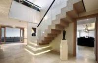 Modern görünümlü ahşap merdivenler