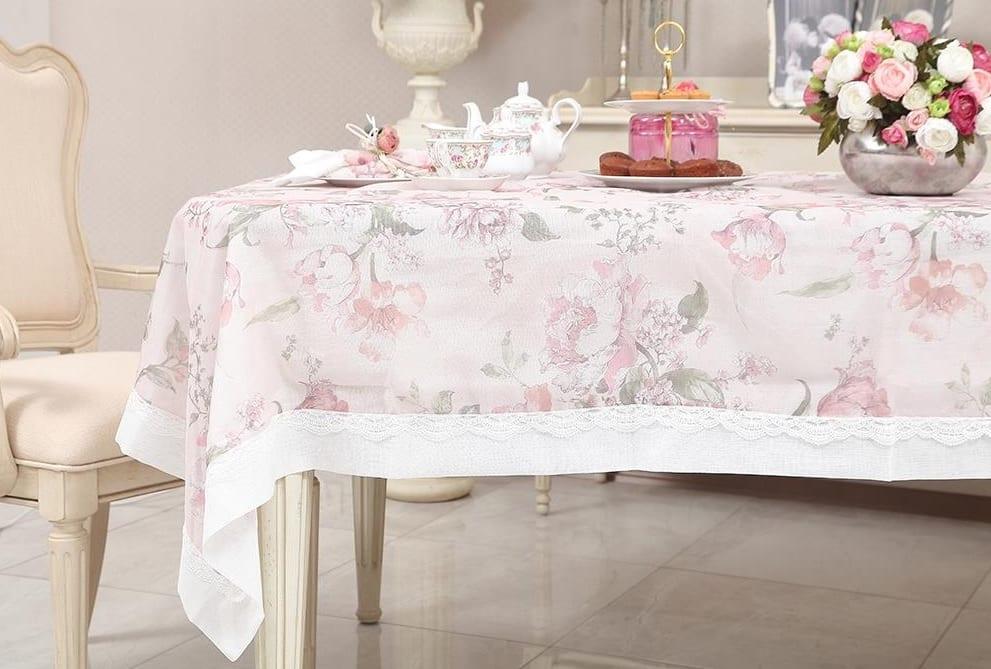 Pembe Çiçekli Masa Örtüsü Modelleri