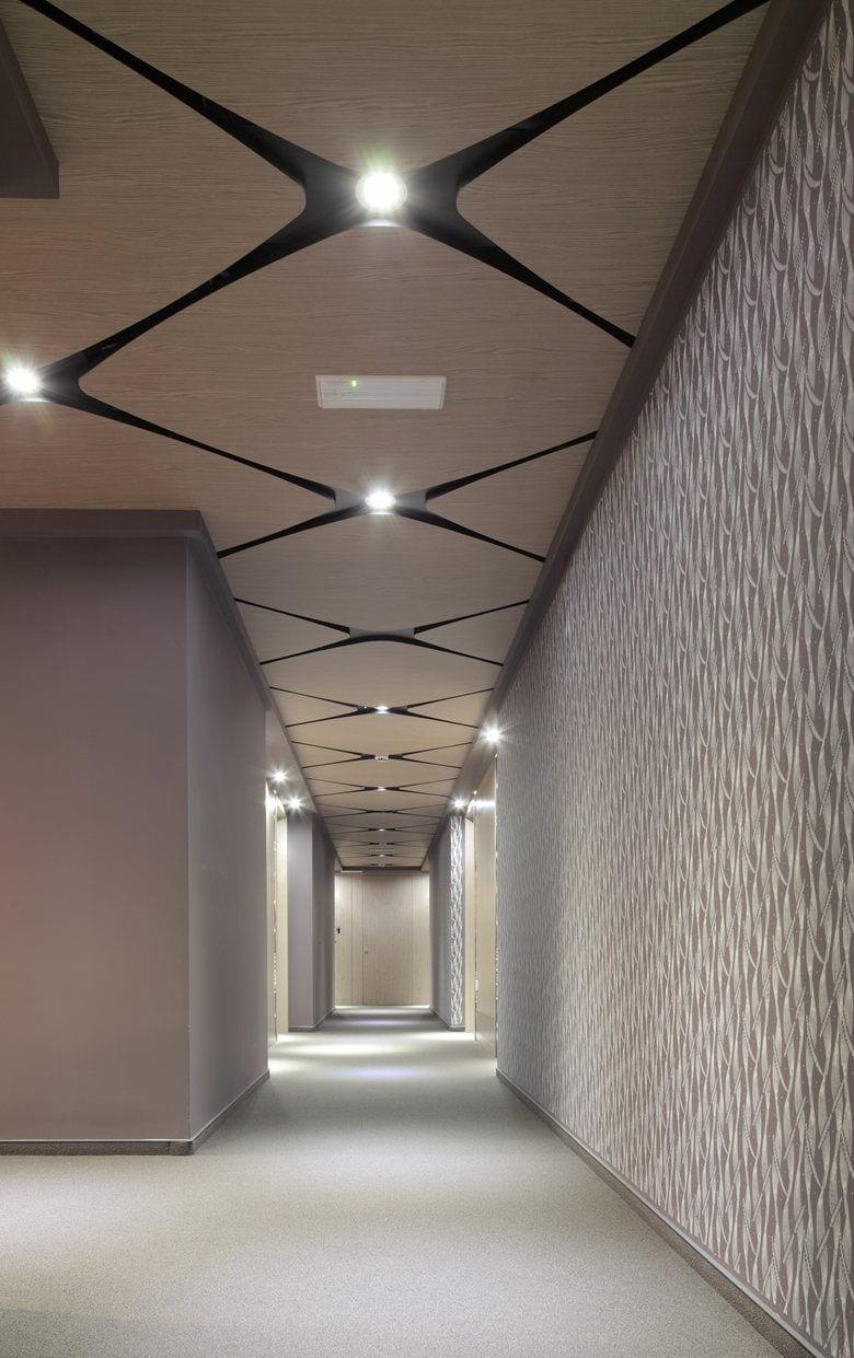 uzun koridor asma tavan